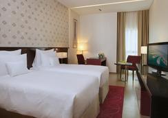 Cosmopolitan Hotel - Dubai - Phòng ngủ