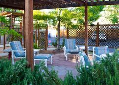 Desert Canyon Inn - Page - Patio