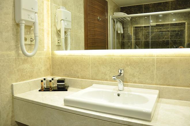Bera Konya Hotel - Konya - Bathroom