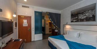 Hotel California - Rome - Bedroom