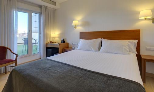 Hotel Ultonia - Girona - Schlafzimmer
