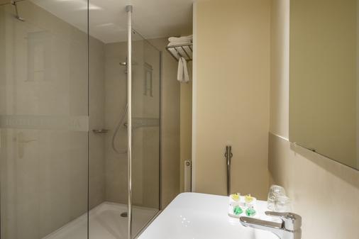 Hotel Ultonia - Girona - Bathroom