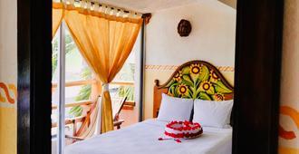 Hotel Casa de la Palma - Zihuatanejo - Bedroom
