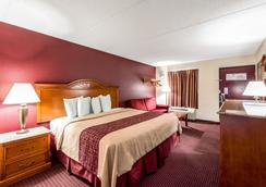 Red Roof Inn & Suites Pigeon Forge - Parkway - Pigeon Forge - Phòng ngủ