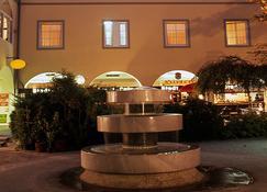Goldener Brunnen - Klagenfurt - Building