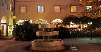 Hotel Goldener Brunnen - Klagenfurt - Edificio
