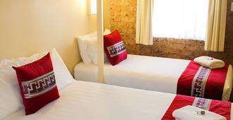 Motel 359 - טמוורת' - חדר שינה