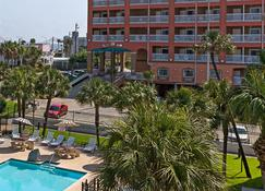 Quality Inn and Suites Beachfront - Galveston - Rakennus