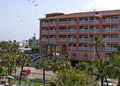 Quality Inn and Suites Beachfront - Galveston - Building