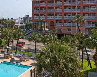 Quality Inn and Suites Beachfront - Galveston - Toà nhà