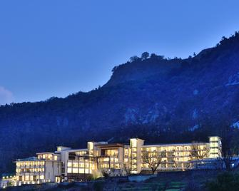 JW Marriott Mussoorie Walnut Grove Resort & Spa - Mussoorie - Building