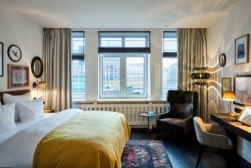 Sir Nikolai Hotel, Hamburg, a Member of Design Hotels - Гамбург - Спальня