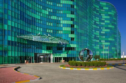 Hilton Capital Grand Abu Dhabi - Abu Dhabi - Building