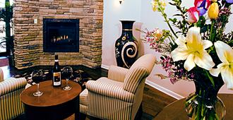 Inn at Cherry Creek - Denver - Living room