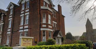 The Wycliffe - Folkestone - Bina