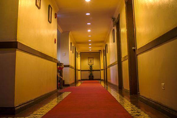 王城區白色騎士酒店 - 馬尼拉 - 馬尼拉 - 門廳