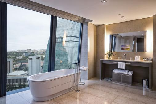 Fairmont Baku - Flame Towers - Baku - Bathroom