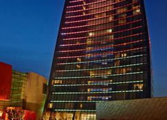 Fairmont Baku - Flame Towers - Баку - Здание