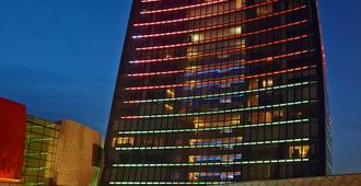 Fairmont Baku - Flame Towers - Baku - Edificio