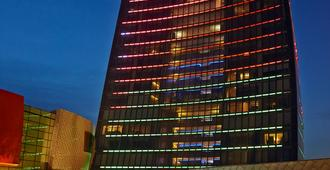 Fairmont Baku - Flame Towers - Baku - Rakennus