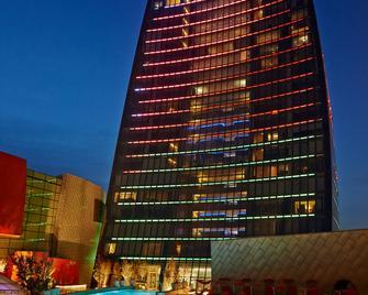 Fairmont Baku - Flame Towers - Baku - Building