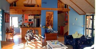 Leighton Lodge - Whitianga - Olohuone
