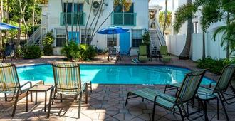 Las Olas Guesthouse @15th Avenue - Fort Lauderdale - Building