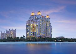 The Cove at Atlantis - Nassau - Building