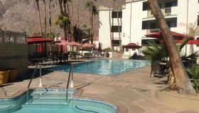 Quality Inn Palm Springs Downtown - Palm Springs - Rakennus