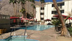 Quality Inn Palm Springs Downtown - Palm Springs - Bâtiment