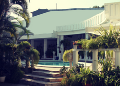 Hotel Grecia Real - São Salvador - Exterior