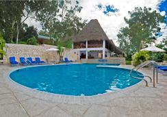 Hotel Camino Real Tikal - Tikal - Piscina