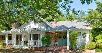 Foothill House - Calistoga - Building