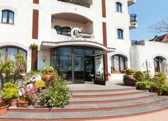 Bajamar Beach Hotel - Formia - Edificio
