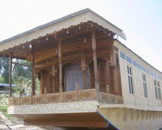 Houseboat Sweet Star - Srinagar - Building