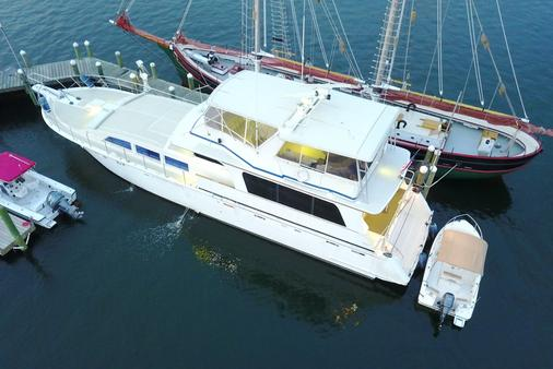 Ocean Romance Dockside Bed & Breakfast Yacht - Newport - Toà nhà