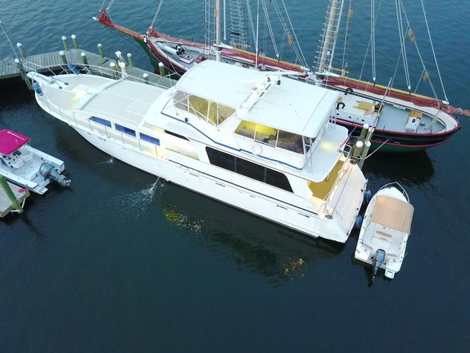 Ocean Romance Dockside Bed & Breakfast Yacht - Newport - Gebäude