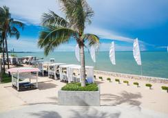 Novotel Hua Hin Cha-Am Beach Resort & Spa - Hua Hin - Beach