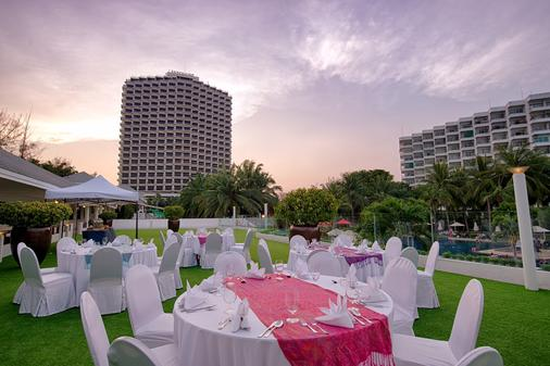 Novotel Hua Hin Cha-Am Beach Resort & Spa - Hua Hin - Banquet hall