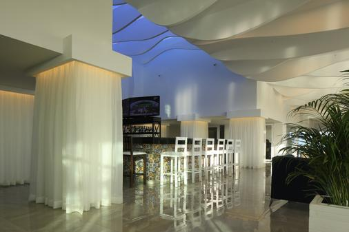 坎昆歐雷歐普拉亞精品度假村 - 坎昆 - 酒吧