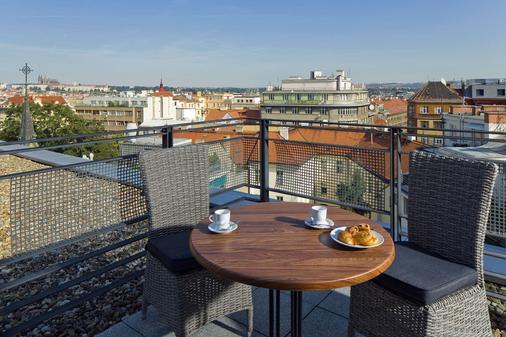 布拉格市中心瑪麥森公寓 - 布拉格 - 陽台