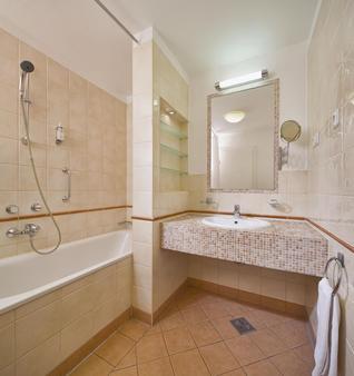Mamaison Residence Izabella Budapest - Budapest - Phòng tắm