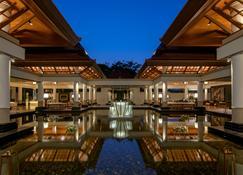 Banyan Tree Phuket - Bãi biển Bang Tao - Hành lang