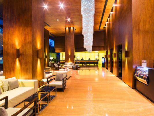 City Garden Grand Hotel - Makati - Lobby