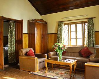 Dekeling Hotel - Darjeeling - Living room