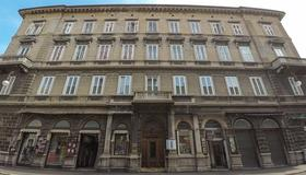 Nuovo Albergo Centro - Triest - Gebäude