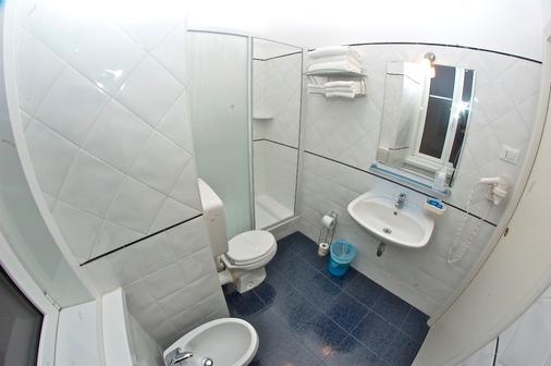 諾佛森特旅店 - 第里雅斯特 - 的里雅斯特 - 浴室