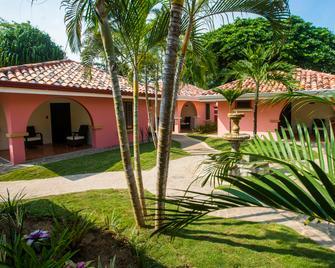 Sunset Del Mar Resort - Esterillos Este - Building