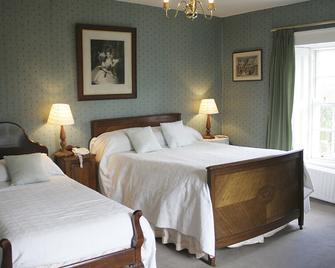 Glebe Country House - Ballinadee - Bedroom