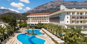 DoubleTree by Hilton Antalya-Kemer - Kemer - Building